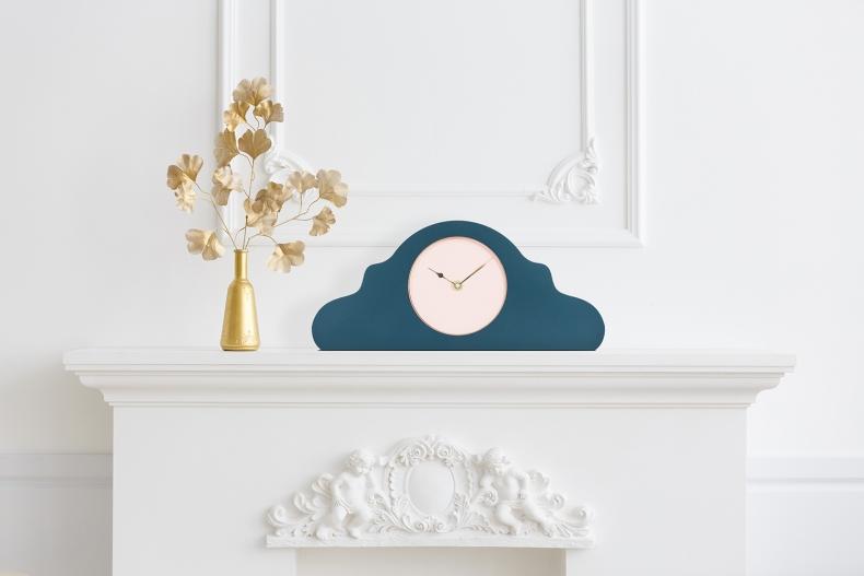 blauwe design klok voor op de schouw, mantel of tafel, blue design mantel, mantle or table clock