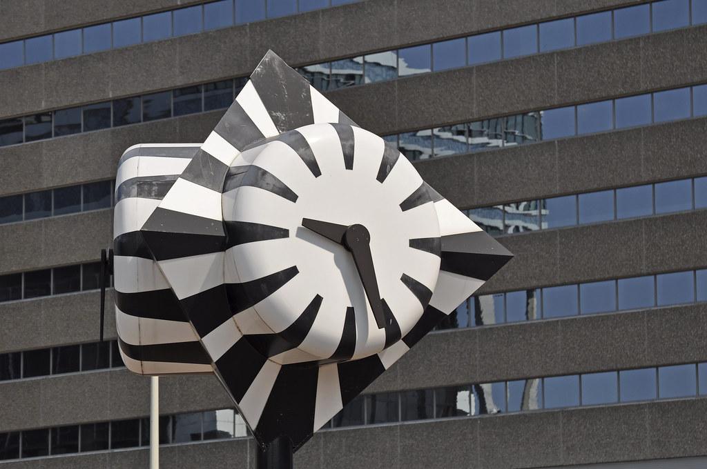 De Zebraklok van ontwerper Jaap Karman